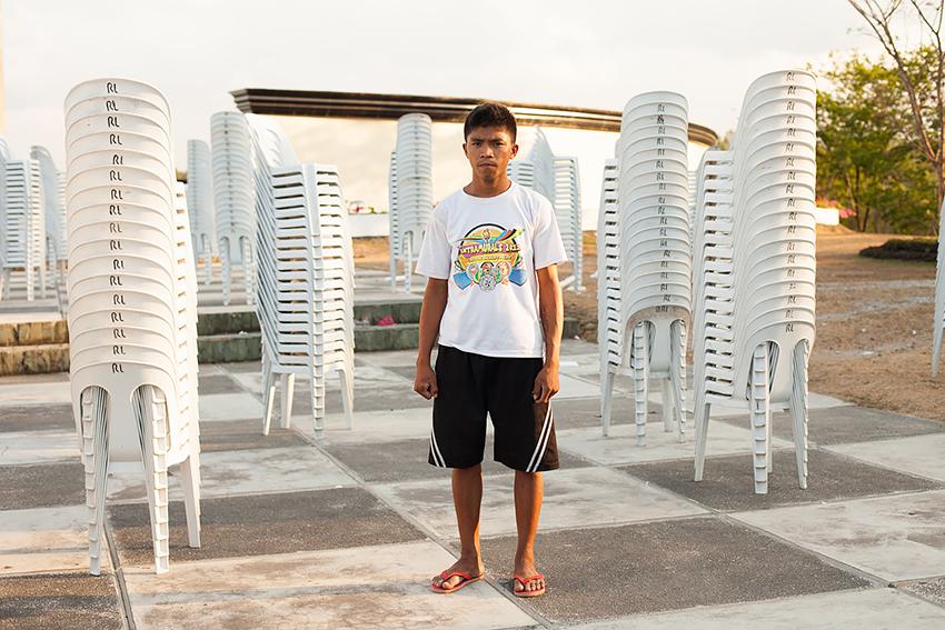 Jason Reblando - Man with Chairs, Capas