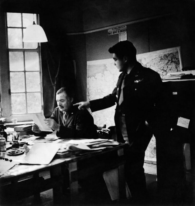 Ernest Hemingway and Art Shay
