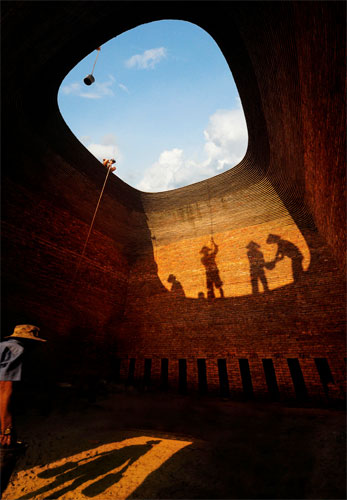 Tin Oven Builders © Minh Ngo Thanh, Vietnam, 3rd Place National Award