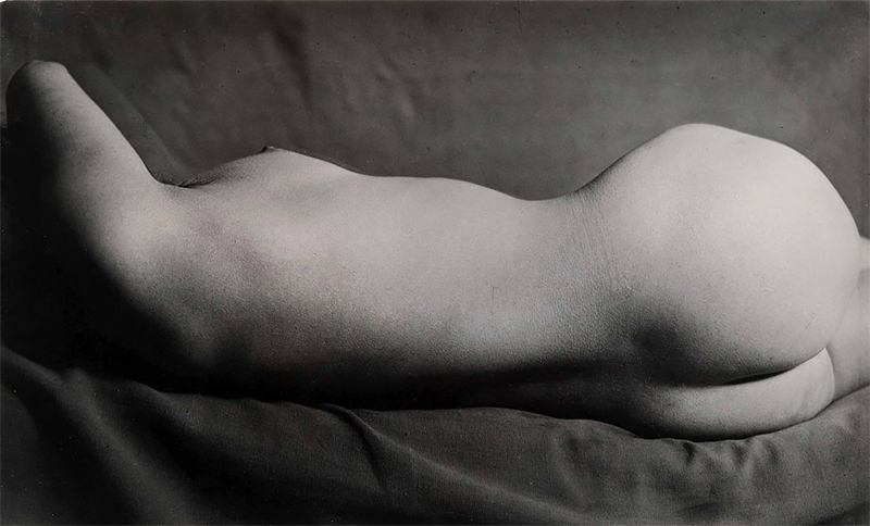 A brief history of nude photography (1839-1939)