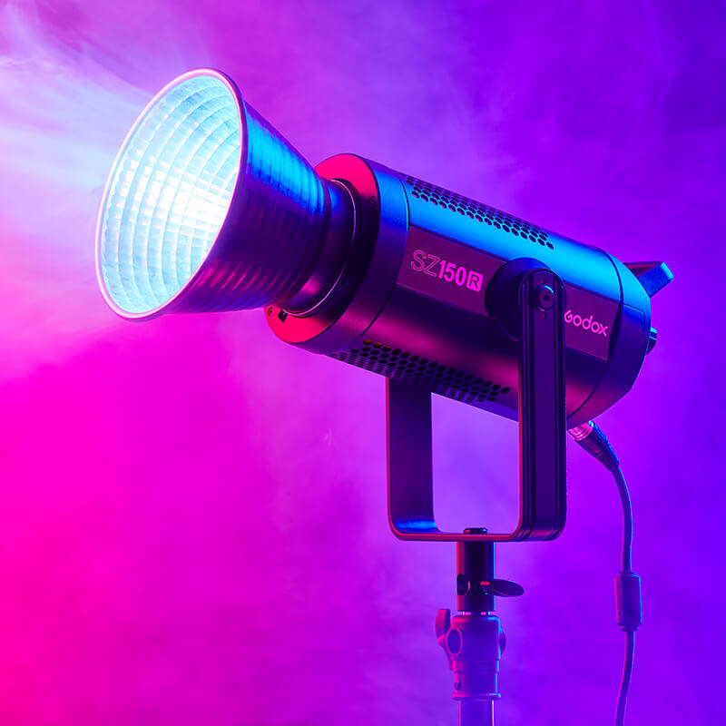 Godox SZ150R: One of the best zoomable RGB Light