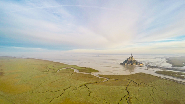 2nd Prize Winner – Category places: Mont-Saint-Michel, by Wanaiifilms