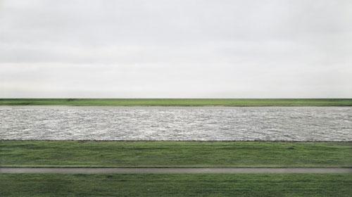 Andreas Gursky: Rhein II (1999)