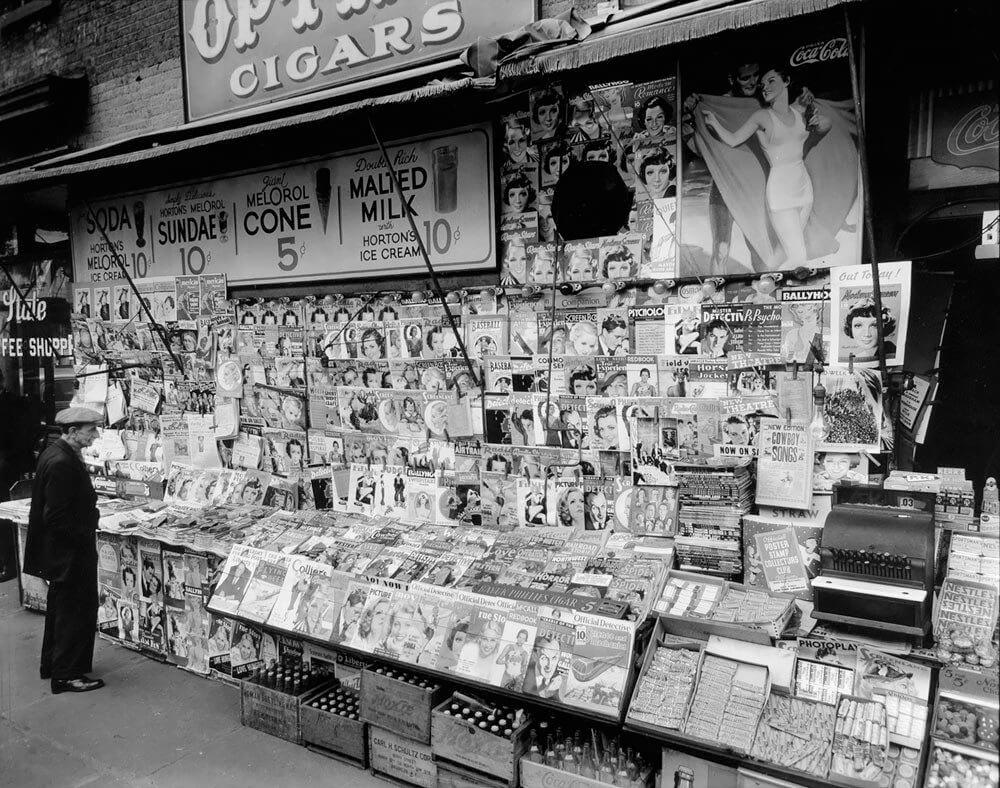 Newsstand, 32nd St and 3rd Ave, Manhattan. 1935 ©New York Public Library<p>© Berenice Abbott</p>