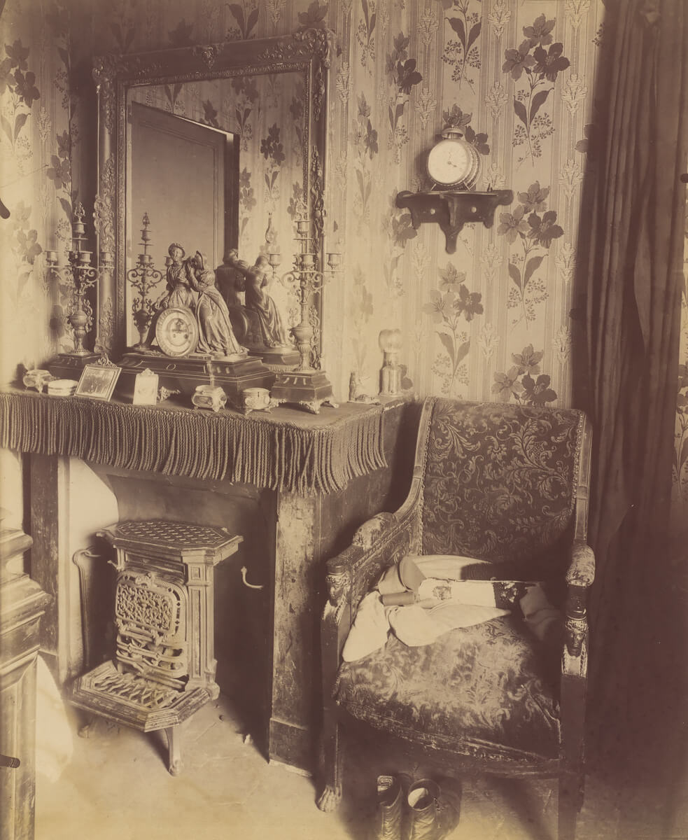 Interior of a Working Class Home, rue de Romainville, 1909-10<p>© Eugène Atget</p>
