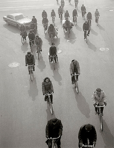 Cyclists, Beijing, China 1989<p>© Kristoffer Albrecht</p>