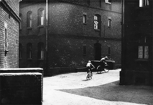 Boys on bikes, Nowy Bytom, 1978<p>Courtesy MMX Gallery / © Michal Cala</p>