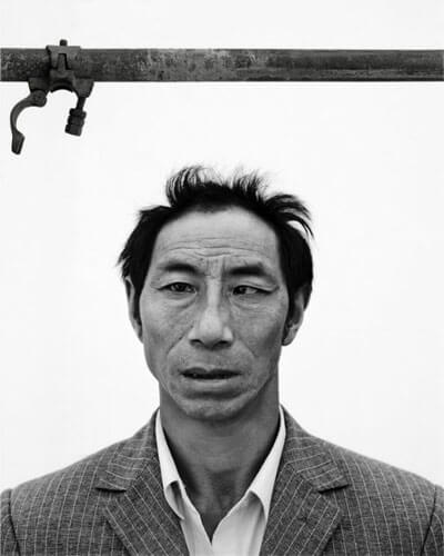 Migrant worker 1, 2011<p>Courtesy Galerie Paris-Beijing / © Song Chao</p>