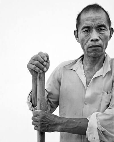 Migrant worker 3, 2011<p>Courtesy Galerie Paris-Beijing / © Song Chao</p>