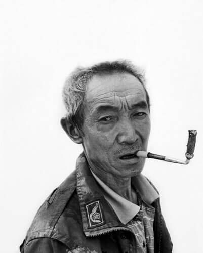 Migrant worker 6, 2011<p>Courtesy Galerie Paris-Beijing / © Song Chao</p>