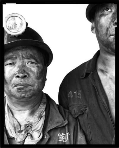 Miners I, 02, 2002<p>Courtesy Galerie Paris-Beijing / © Song Chao</p>