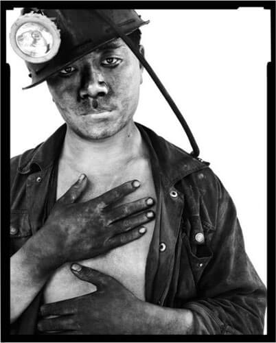 Miners II, 15, 2002<p>Courtesy Galerie Paris-Beijing / © Song Chao</p>