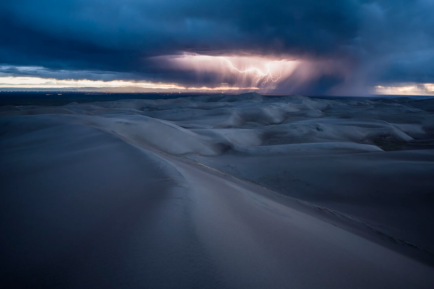 Lightning on the Great Sand Dunes<p>© Spencer Cox</p>