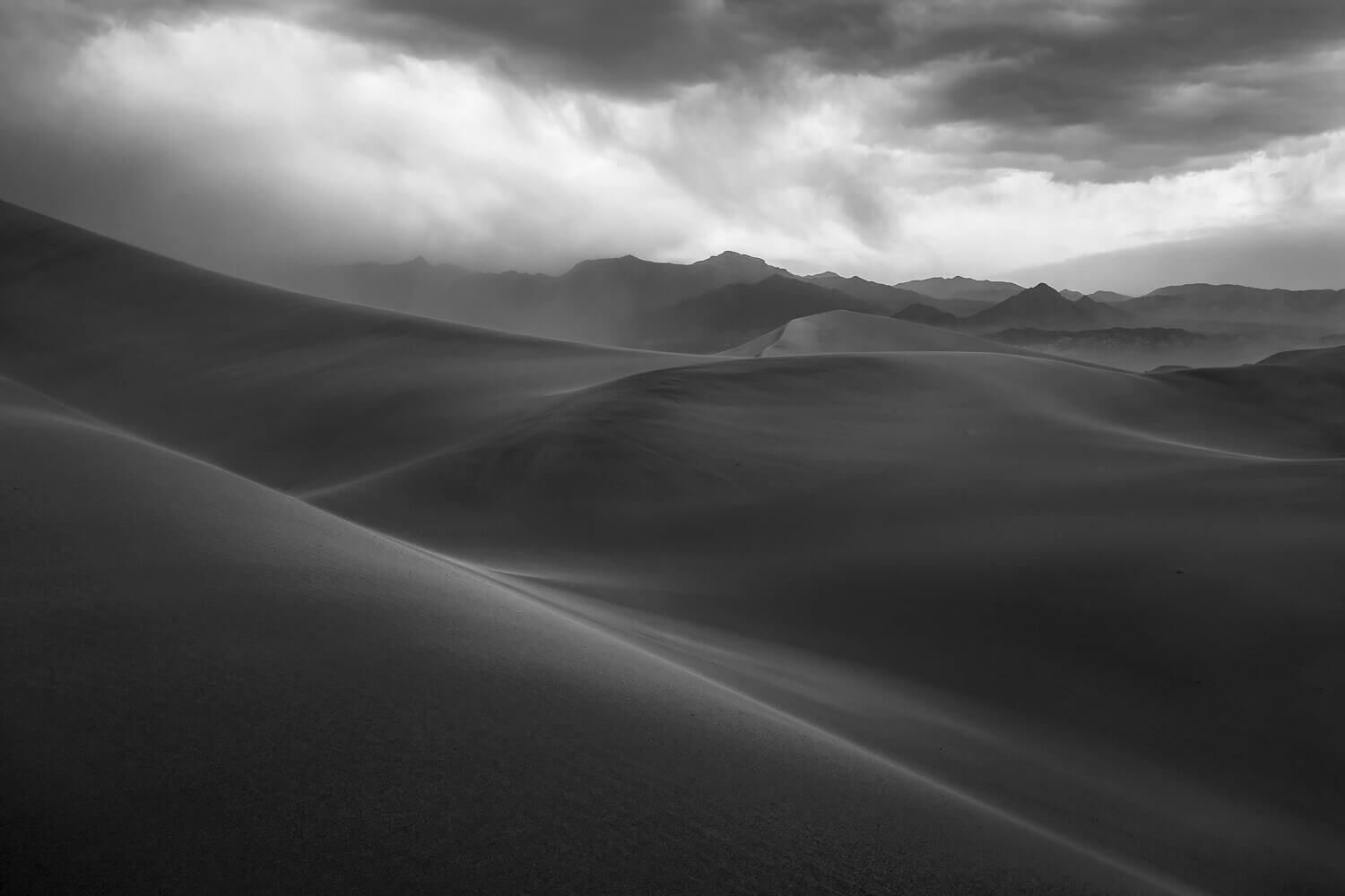 Approaching Sandstorm<p>© Spencer Cox</p>