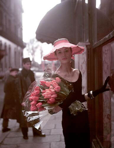 George Dambier - Suzy Parker with red tulips
