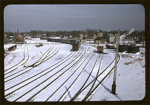 Jack Delano - Train and several sets of railroad tracks in the snow, Massachusetts 1940 ©Library of Congress