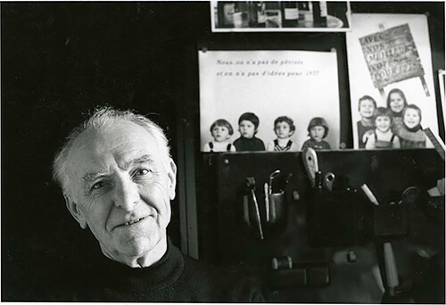 Robert Doisneau - Bracha L. Ettinger in his studio in Montrouge, 1992 CC BY-SA 2.5
