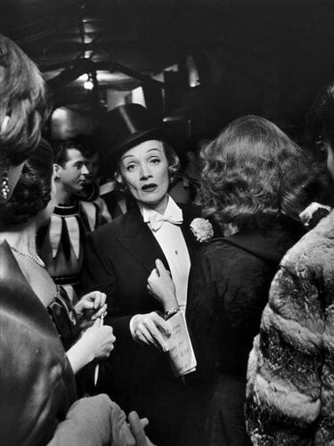 Elliott Erwitt - 1959. Marlene DIETRICH at the April in Paris Ball at the Waldorf Astoria Hotel