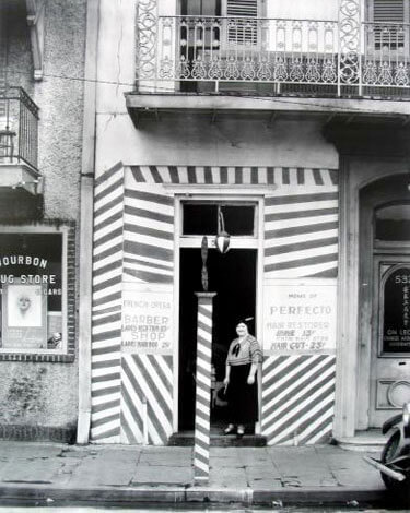 Barber Shop, New Orleans, 1935<p>© Walker Evans</p>