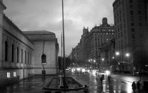 Evening at the Met <p>© Robert Farber</p>