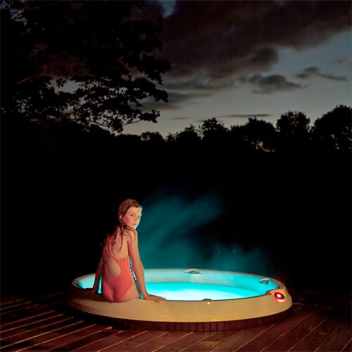 Hot Tub<p>© Cig Harvey</p>
