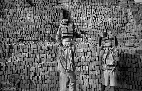 Lisa Kristine - Brick Wall, Nepal