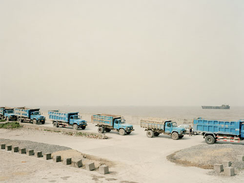 Mouth VII, near Shanghai<p>Courtesy Trunk Archives / © Nadav Kander</p>