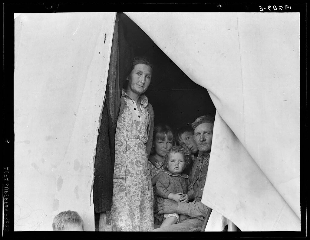 Dorothea Lange - Brawley, Imperial Valley, In Farm Security Administration (FSA) migratory labor camp.  1939 © Library of Congress
