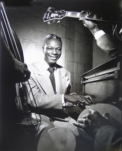 Nat King Cole, NYC, 1949<p>© Herman Leonard</p>