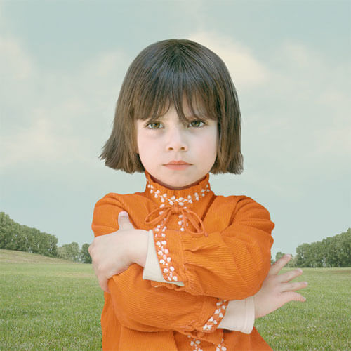 Girl with crossed arms<p>© Loretta Lux</p>