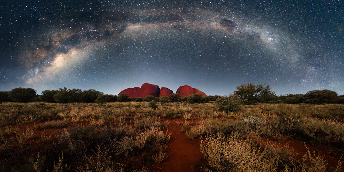 Milkyway over Kata Tjuta<p>© Tony Law</p>