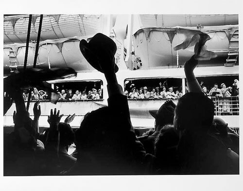 Jay Maisel - Cruise ship leaving, crowd waving mid 1950s