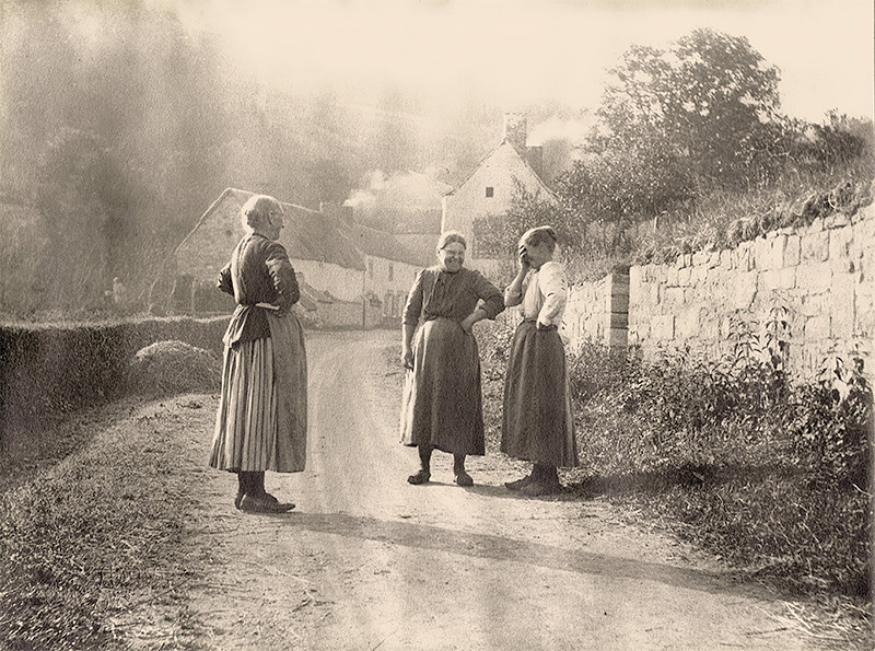 Country Women Stopping to Converse on a Village Road in Belgium 1943<p>© Leonard Misonne</p>