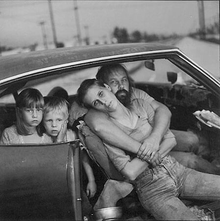 Mary Ellen Mark - The Damm Family in Their Car, Los Angeles, California, 1987