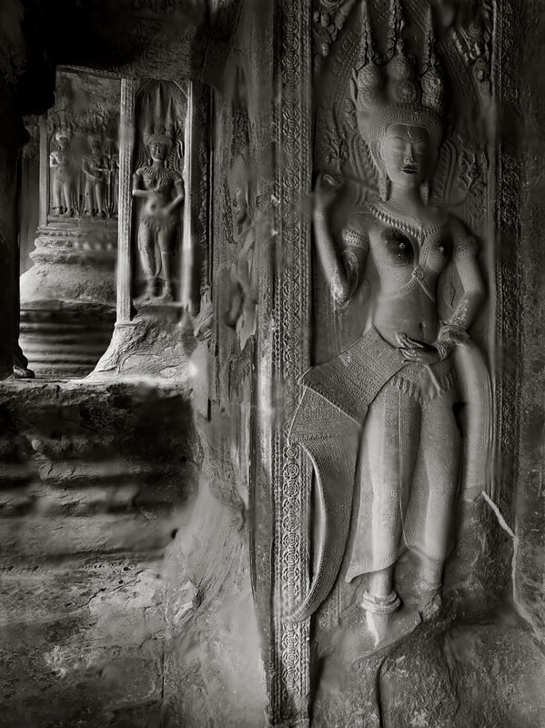 Apsara,  Upper Tier Angkor Wat  2002<p>© Richard Murai</p>