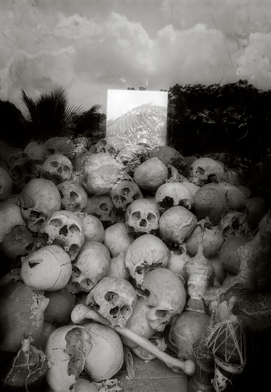 Sky and Window Killing Fields Monument Siem Reap, 2004<p>© Richard Murai</p>