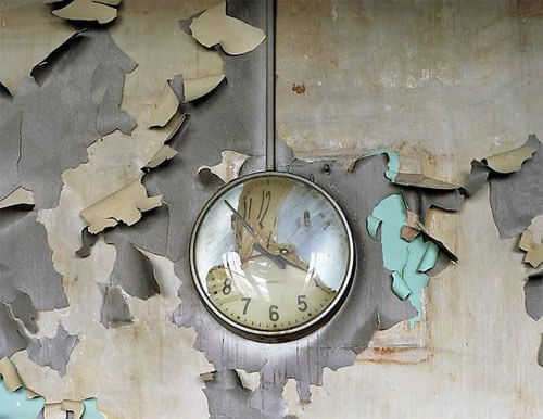 Yves Marchand & Romain Meffre - Melted Clock, Cass Technical High School, The ruins of Detroit 2008