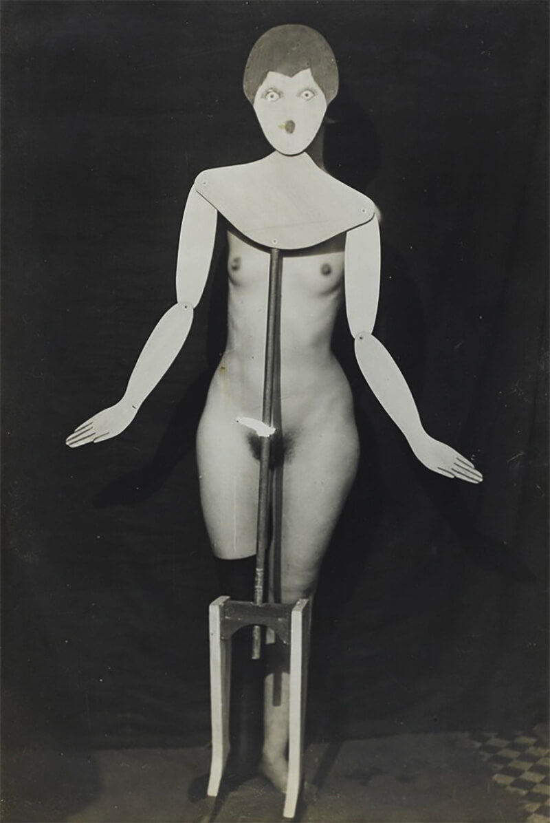 Man Ray - The Coat-Stand, 1920