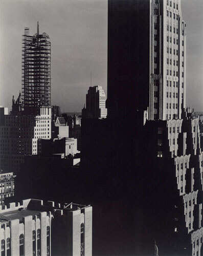 Alfred Stieglitz - Looking Northwest from the Shelton, 1932