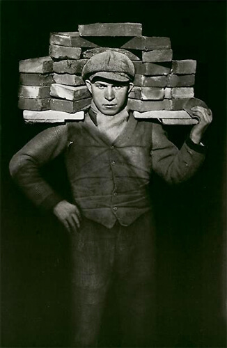 Bricklayer, 1928<p>© August Sander</p>