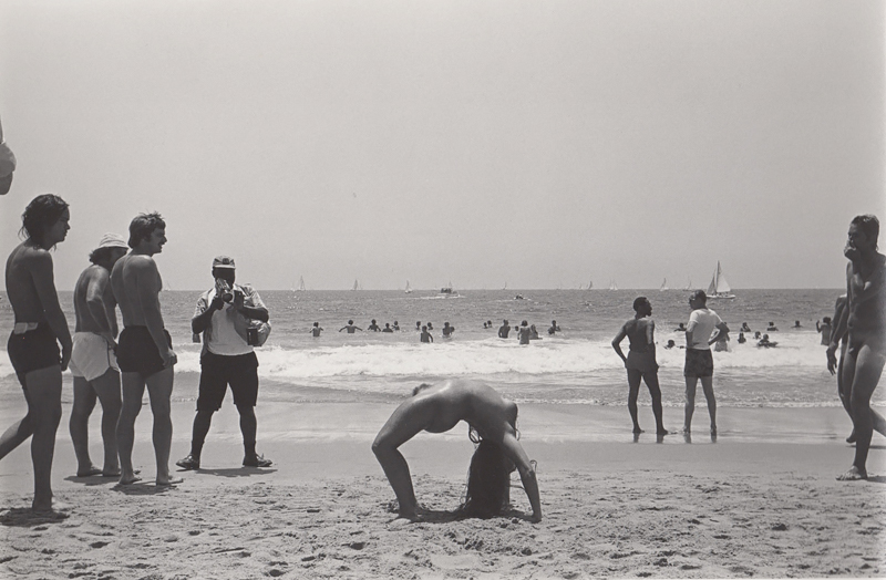 Untitled (Nude woman in bridge position), Venice Beach, CA, 1976<p>© Ed Sievers</p>