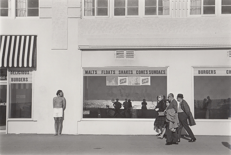 Untitled (People outside diner) Venice Boardwalk, CA, c. 1970's<p>© Ed Sievers</p>