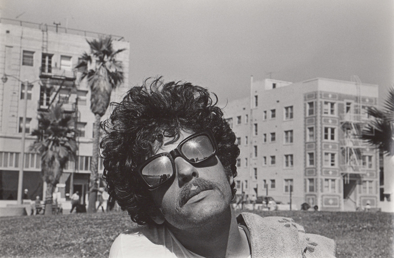 Untitled (Man in sunglasses)<p>© Ed Sievers</p>