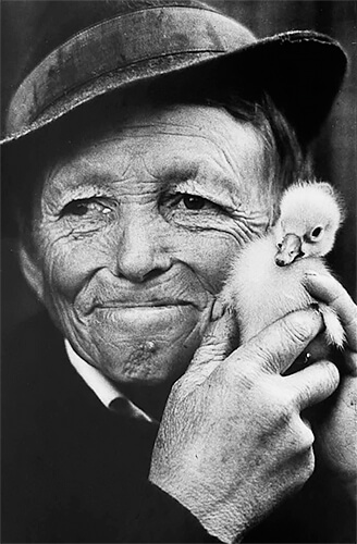 Eliesko with the Pat Duckling, Romania<p>© Jacko Vassilev</p>