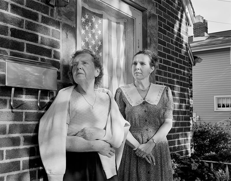 Marjorie Angel and Rebecca Barile, Akron OH, 2003<p>© Joe Vitone</p>