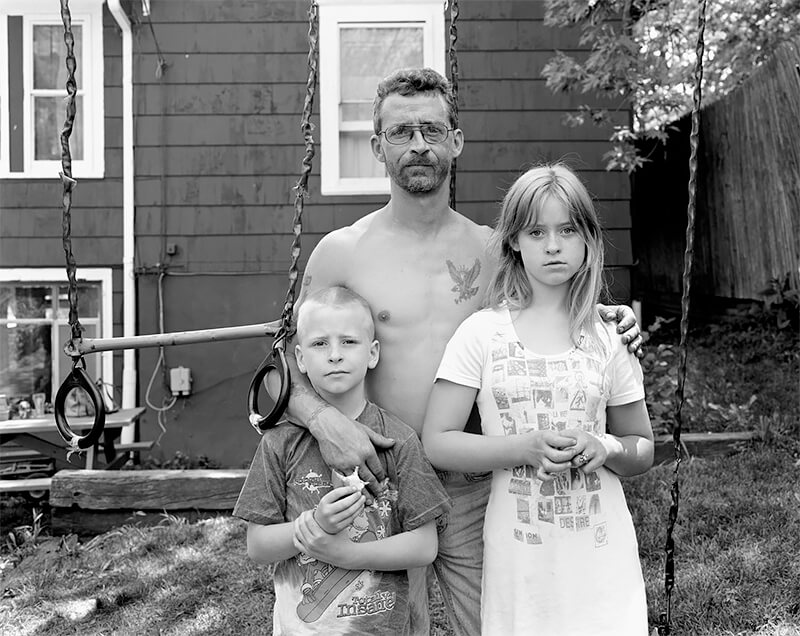 Charles, Keith, and Jessica Morlan, Akron OH, 2003<p>© Joe Vitone</p>