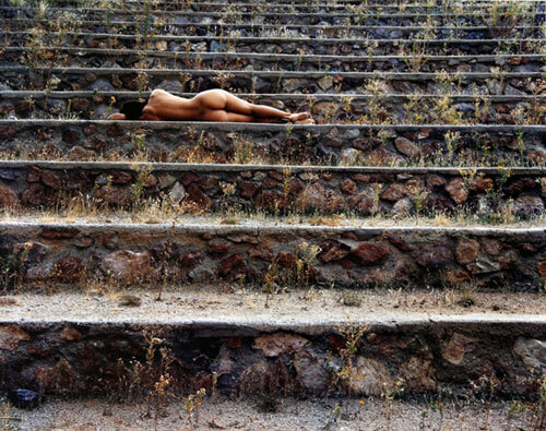 Nude on steps, Arizona 1979<p>© Cole Weston</p>